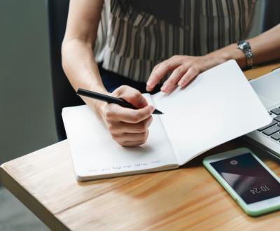 Как поднять продажи в кризис с помощью личного помощника?
